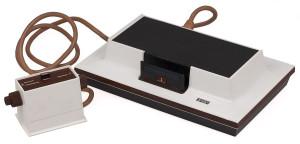 La Magnavox Odyssey, première console de jeux vidéo, pensée et développée par Ralph Baer