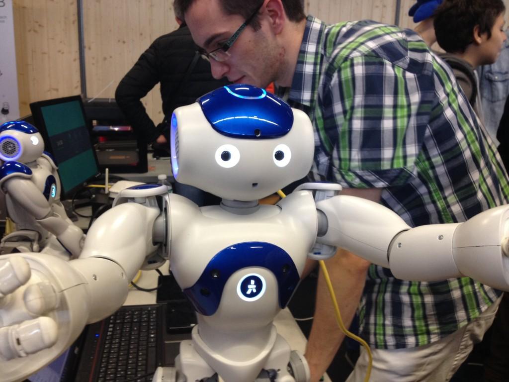 Chez Epitech, Nao le robot fan de selfies ?